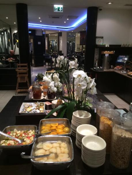 buffet-breakfast-hotel-massena-nice5